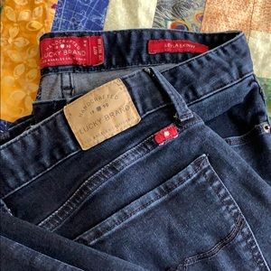 Size 4 - dark wash - Lucky Brand